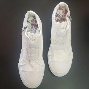 Blowfish Mamba White Color Washed Canvas